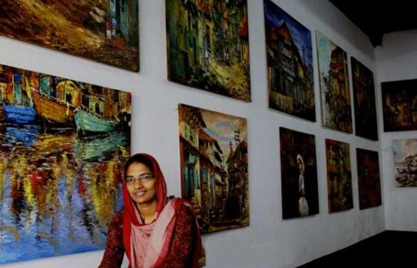 Photo of പൌരാണികത തുളുമ്പുന്ന കൊച്ചിയിലെ തെരുവോരങ്ങളുടെ കഥയുമായി സാറാ ഹുസൈന്